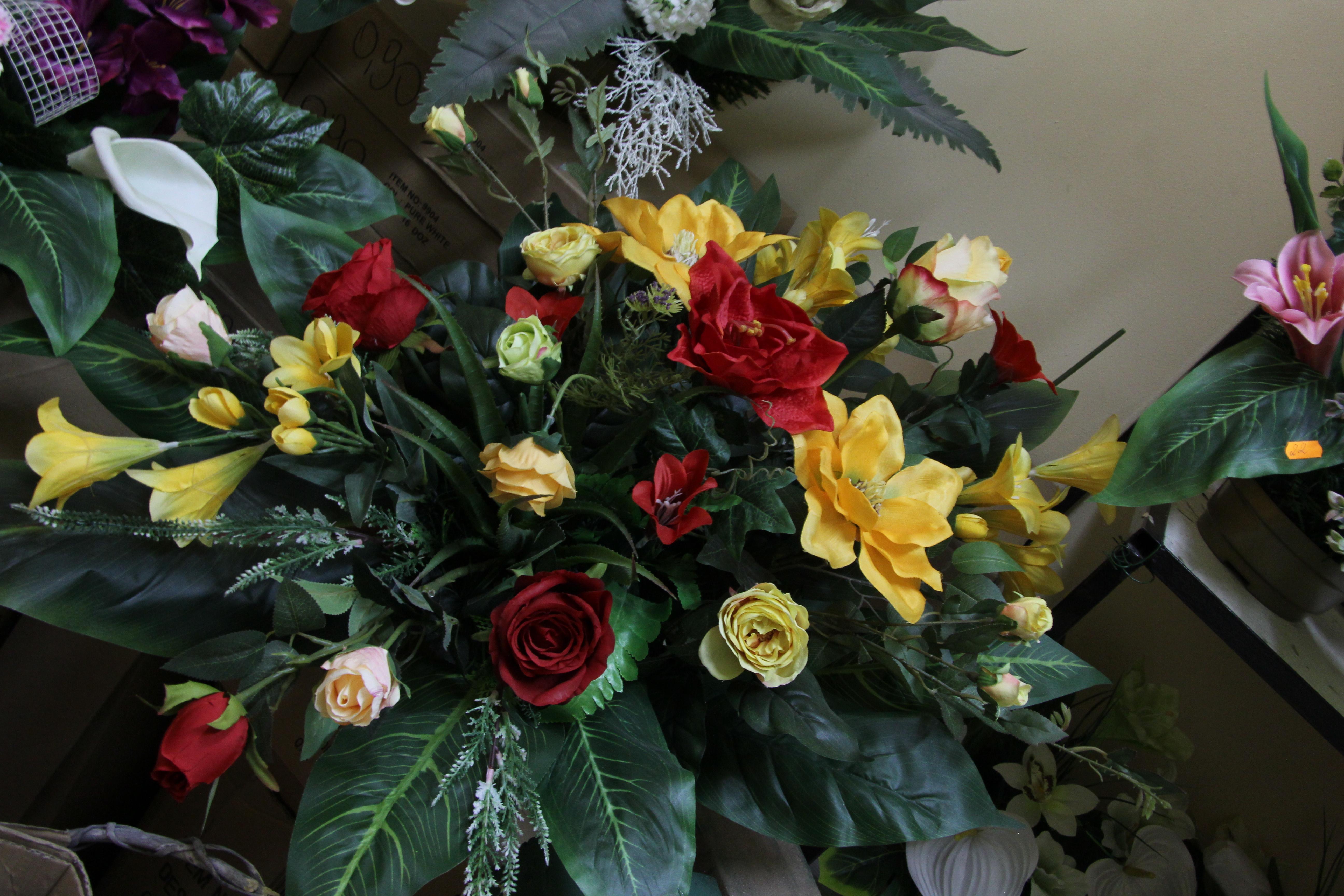 58c31bb54c31f7 Paradowski – Firma Paradowskich – sztuczne kwiaty, wieńce, wiązanki ...